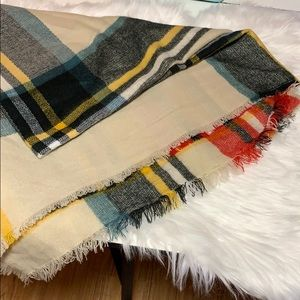 Accessories - Giant Blanket Scarf